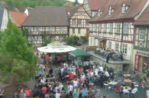 Marktplatz mit Dämmerschoppen zu Himmelfahrt in Königsberg