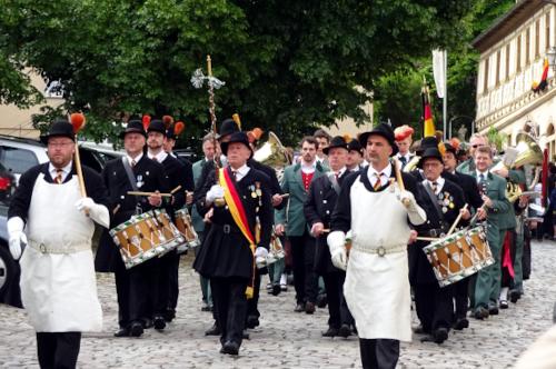 Sappeure, Tambourkorps und Blaskapelle am Königsberger Pfingsfest